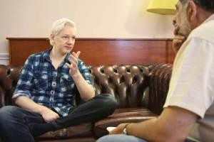 Pedro Miguel entrevista a Julian a Assage